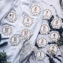 Tabliczki z miesiącami życia Dziecka - białe sześciokątne